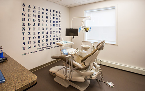 Implant Dentist in New Milford   New Milford Teeth Whitening